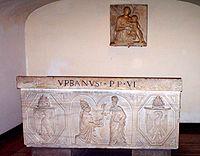 Tomba di Urbano VI nelle grotte vaticane.