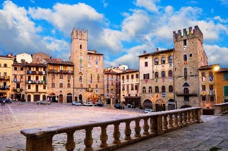 Arezzo, una vista di Piazza Grande